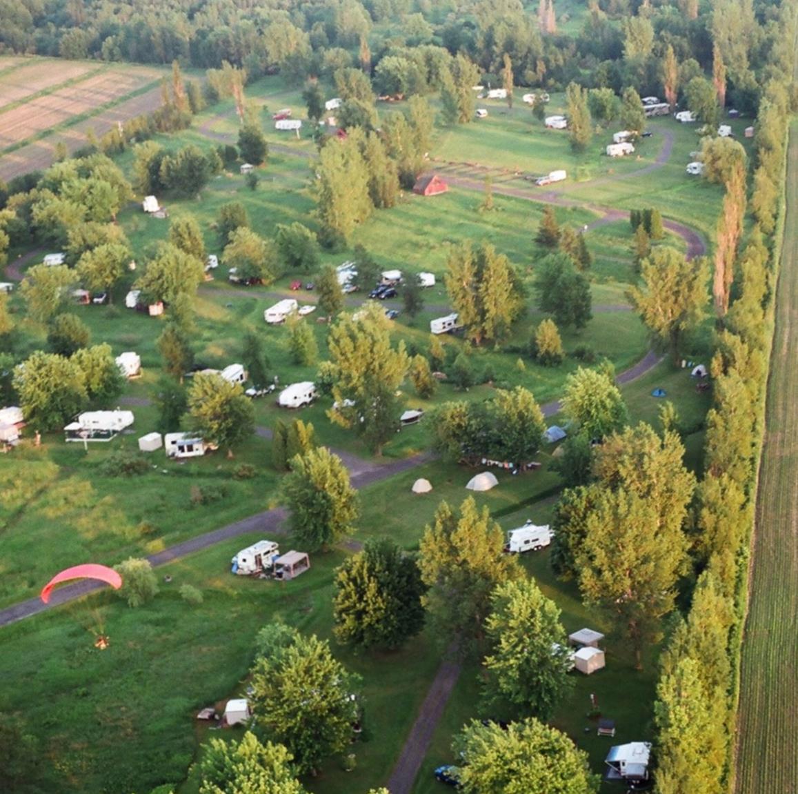 Vue aérienne du Camping (en 2007)